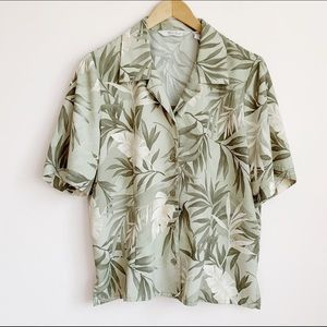 muted green palm frond print collared blouse